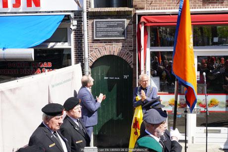 Onthulling plaquette Jan van Elk