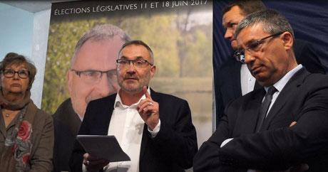 Au centre : Dominique Moyse, lors de l'inauguration de son QG de campagne le 11 mai 2017 à Château-Thierry.