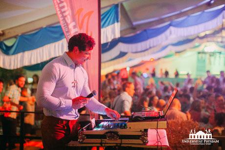 DJ Potsdam, DJ Spreewald, DJ Lausitz, Hochzeit, HochzeitsDJ, PartyDJ, Lichteffekte, Party DJ, Alleinunterhalter, Treuzeugen, Hochzeitstorte, Heiraten, Oktoberfest DJ