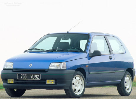 Renault Clio prima serie fanale anteriore
