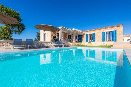 Finca Bibi - Pool mit Ausblick