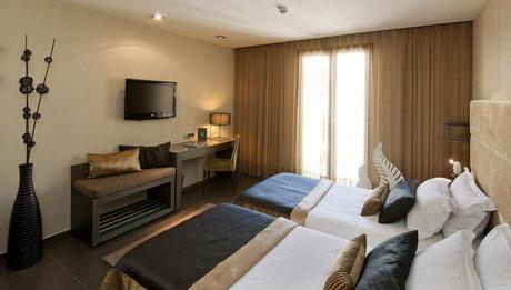 Найти бюджетный отель в центре Барселоны