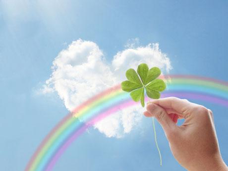 青空 ハート 雲 虹 四つ葉 クローバー 心が軽い スッキリ リフレッシュ 幸せ 安らぎ 安心