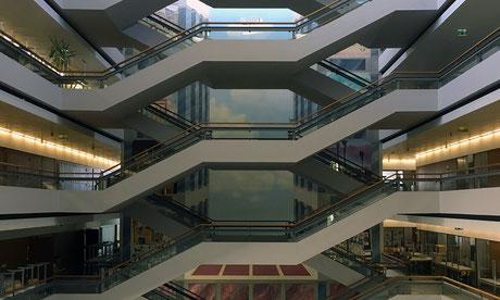 Bild Foyer im Hauptgebäude Gymnasium Neufeld