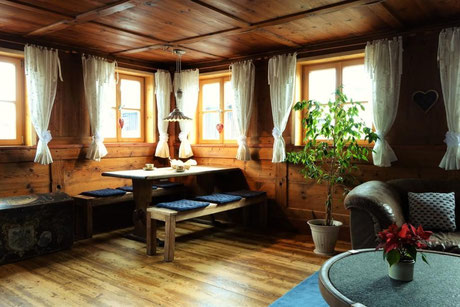 Ferienwohnung im Allgäu, Rosenhof in Görisried, Innenansicht der schönen Ferienwohnung im Rosenhof in Görisried im Allgäu
