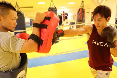 湘南格闘クラブ 練習 ミットトレーニング
