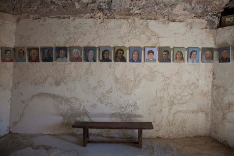 """Portraits d'un village"" de Joyce Van Fenema"