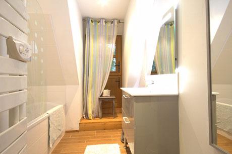 La salle de bain/The bath room - La chaumière Saint-simeon