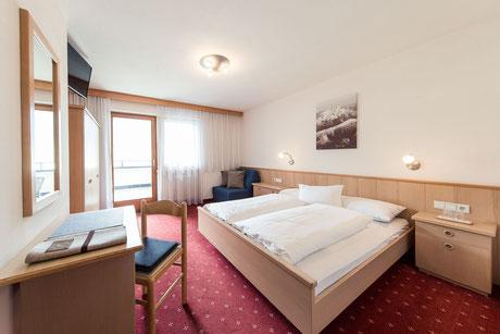 room Classic - Garni Hotel Clara B&B Riscone Kronplatz Dolomites
