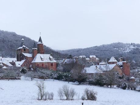 On quitte Collonges-la-Rouge par le GR 480, direction la Vallée de la Dordogne, Martel et Rocamadour