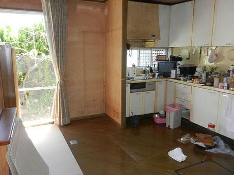 キッチンカウンター施工前の画像