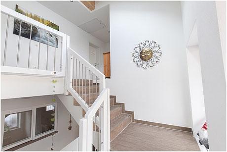 Aufgang Treppenhaus - Ferienwohnungen 1, 2 und 3.