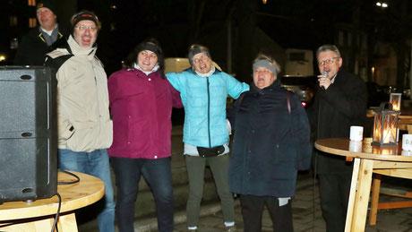 Am zweiten Adventsamstag veranstaltete die Jugend ein Weihnachtskaraoke. Gestärkt mit Punsch ließen es sich einige nicht nehmen ihr Gesangstalent zu beweisen.