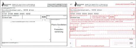 Erlagscheine mit dem Vordruck von Aktionscode und Feldern für Geburtsdatum, Name und Adresse liegen in der Kirche auf.