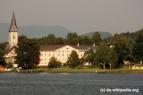 Dienstag: Die Stiftskirche in Ossiach beherbergt die angesehene Carinthische Musikakademie und ist  im Ausgust Veranstaltungsort für den Karinthischen Sommer.