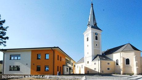 Haugsdorf ist ein liegt im Weinviertel nahe der tschechischen Grenze. Die Sandleitner Jugendgruppe wurde dort freundlich aufgenommen und konnte auch den Pfarrhof und das Pfarrheim nutzen.