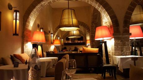 """Das Restaurant """"la table"""" in den tollen Gemäuern der Altstadt"""