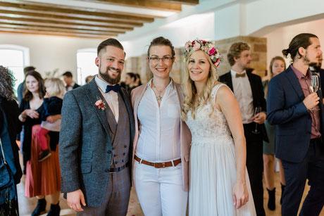 Hochzeitsrednerin Stella unterwegs in der Pfalz im Gut Rehbach - Foto: Isabell Kauther Fotografie