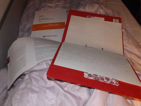 Unterwegs auf der Weiterbildung, am Morgen im Bett Zeit für mein Schreiben erhascht