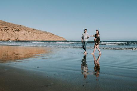Sesión de embarazo en la playa, sesión de embarazo en Tenerife, fotógrafo de embarazo Tenerife