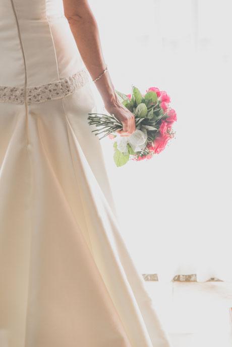 Fotografía de bodas en Tenerife, boda en Sevilla, ramo de novia