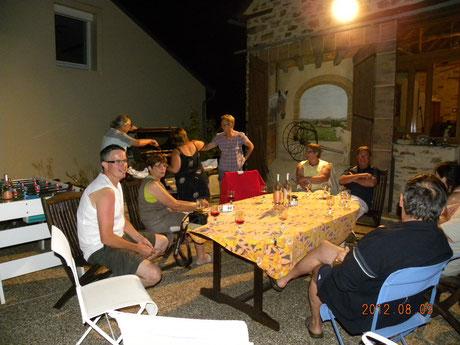 Chambre et table d'hôtes en Aveyron : Terrasse en nocturne