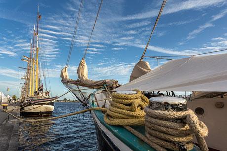 Segelschiffe in Wilhelmshaven.