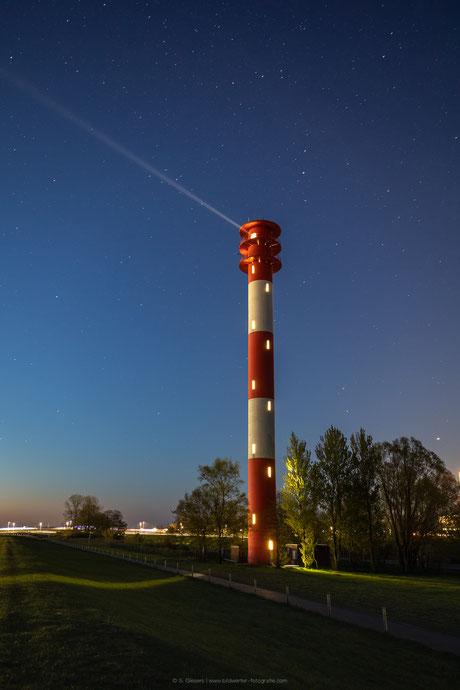 Im Querfeuer Voslapp in Wilhelmshaven brennt noch Licht.