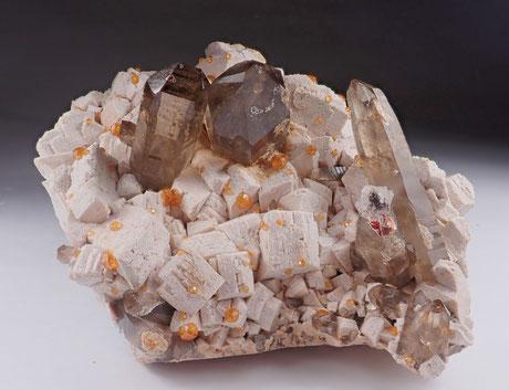 Garnet with quartz