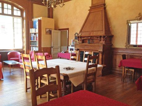 Salon - Chambres d'hôtes les Cascatelles à Ax les Thermes