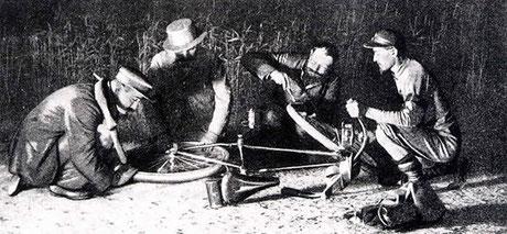 Photo: Reifenmontage bei PBP (1891)