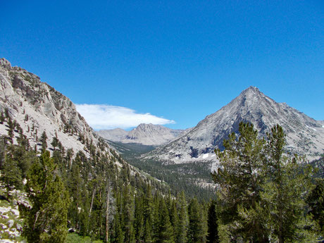 Blick vom Abstieg Forester Pass kurz vor Vidette Meadow.