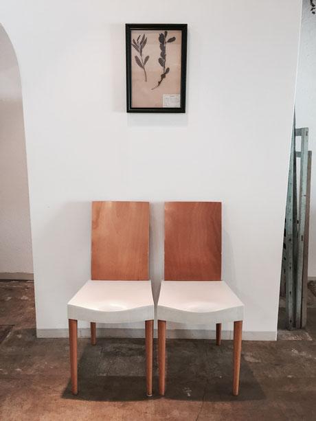 arflex社の椅子をいただいた♪ 「ニマさんのお店にはちょっと違うかも、。」と言ってたけど、、確かにうちのテイストとは違うけど、nimaのブロカントな雰囲気にイタリアモダンが加わってもわるくないな~♪ *と言っても自宅用にします。