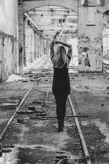 Portraitfotografie – Caro – Lostplace
