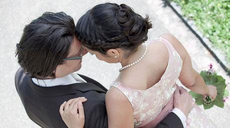 Hochzeitsfotos sind die Bilder, die durch Generationen gereicht werden.