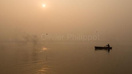 Aube sur le Gange - Varanasi - Inde © Olivier Philippot Photo