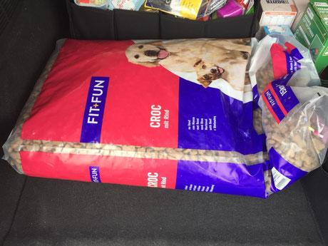 großer Sack Hunde-Trockenfutter