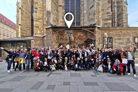Team bei Rätselrallye und Schnitzeljagd, Firmenevent, Stadttour