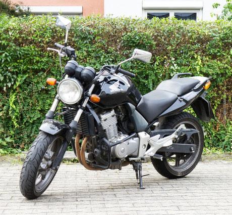 Honda CBF 500 für die Führerscheinausbildung Klasse A2 (beschränkt).