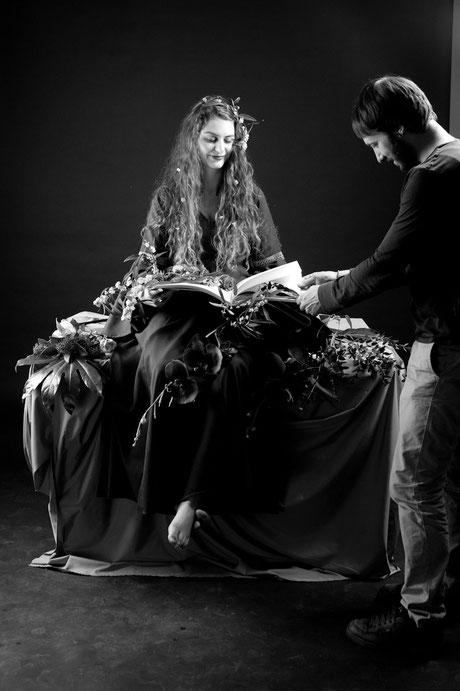 Eine Makin Of Szene mit Model und Assistent
