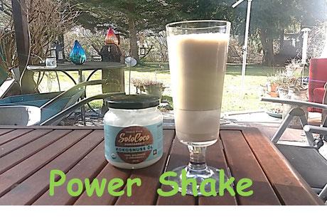 Kokosöl, Milch, Haferflocken und Bananen Rezept für Shake