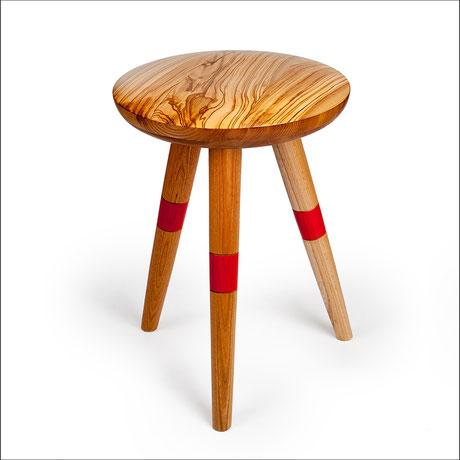 Handgefertigter Hocker aus Holz von Elissavitis Möbel