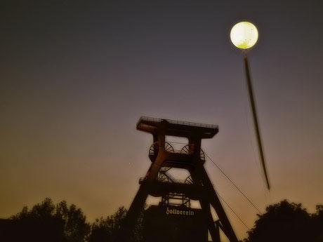 Schachtzeichen 2010