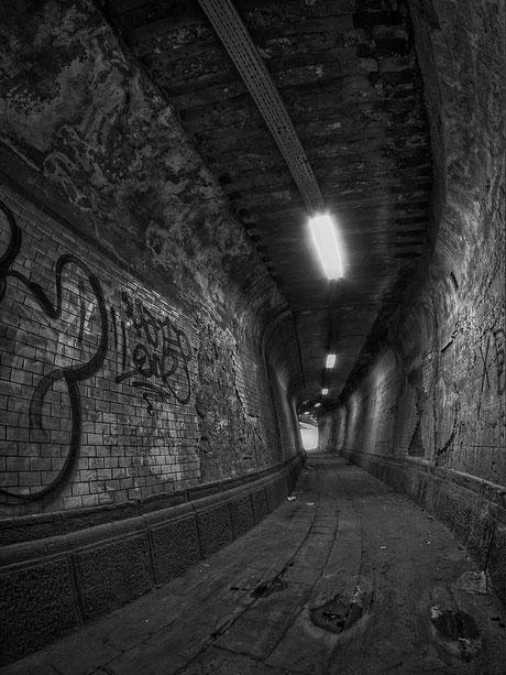 Tunnel.abschnitt für Fussgänger I