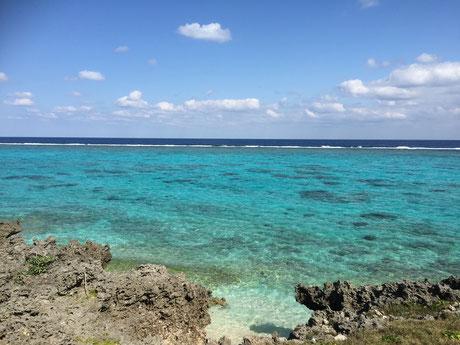 ヨロン島 海