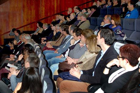 La intervención de Iñaki Almandoz, única de los galardonados, fue seguida con interés, desde las gradas del Aquarium, por las fuerzas vivas del basket guipuzcoano.