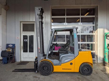 Jungheinrich DFG435s mit Duplex-Mast, 4 Ventile, Seitenschub