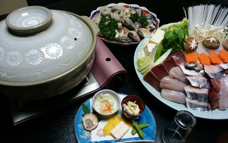 なべ料理(付だし、刺身付) 4720円(税・サ込)より