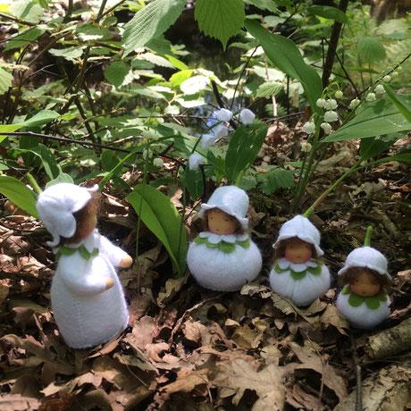Blumenkinderwerkstatt Maiglöckchenfamilie im Wald