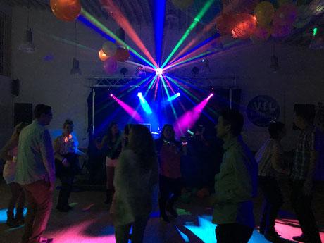 Große DJ Anlage für eine Vereinsfeier oder Stadtfest